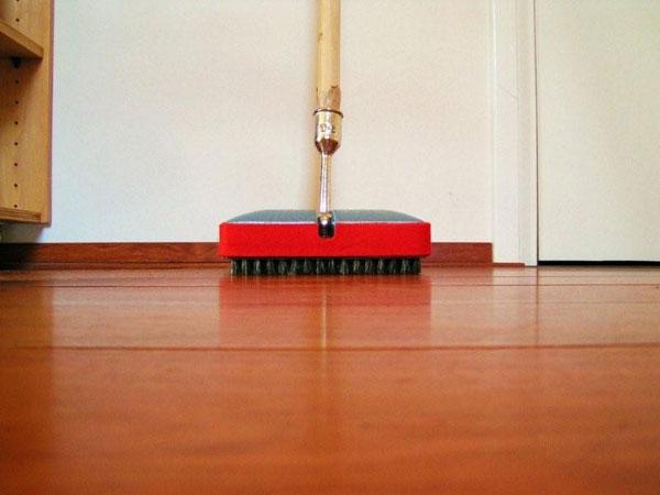 De houten vloer boenen tokyoughoul re kousatu netabare